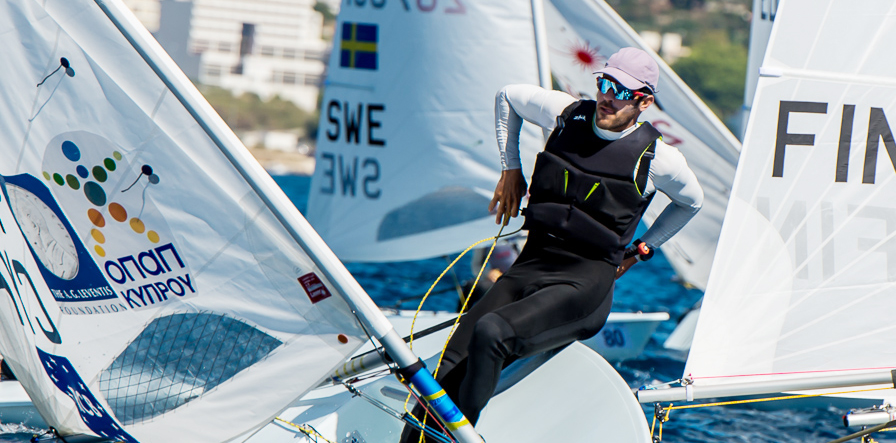 2017 laser worlds day 2 news